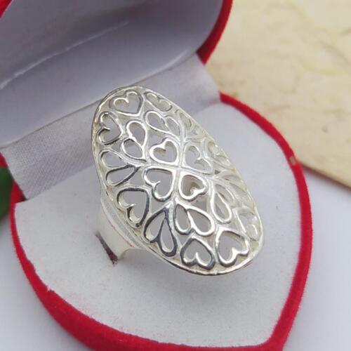 แหวนเงินแท้ แหวนฉลุลายหัวใจราคาพิเศษ วงละ 469 บาทไซส์ 53,58วัสดุ : 925 Sterling Silver เงินแท้มาตรฐานสากลน้ำหนักโดยประมาณ : 6.7 กรัมรูปแบบ ลวดลาย : แหวนเกลี้ยง หน้าเรียบ✅ เงินแท้มาตรฐานสากล 925 Sterling Silver✅ ใส่แล้วไม่แพ้ ไม่คัน✅ ไม่ลอก ไม่ขึ้นสนิม✅ ทนทานยาวนาน คุณภาพเกรด A คุณภาพสูงมาตรฐานส่งออก ภาพถ่ายจากสินค้าจริง#เครื่องเงิน #เงิน #เครื่องประดับ #เครื่องประดับเงิน #เครื่องประดับเงินแท้ #แหวนเงินแท้ #SterlingSilver #Silver #Silver925